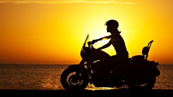 ¿Cómo evitar el calor cuando vas en moto?