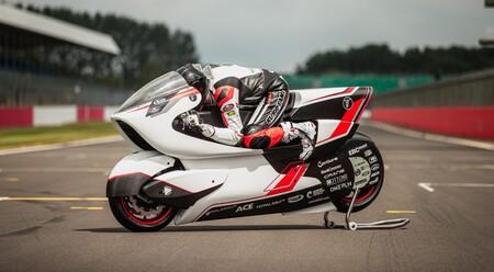 Moto eléctrica caza récords
