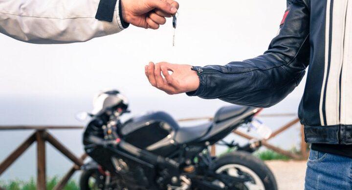 Quiero comprar una moto usada: ¿Qué trámites tengo que hacer?